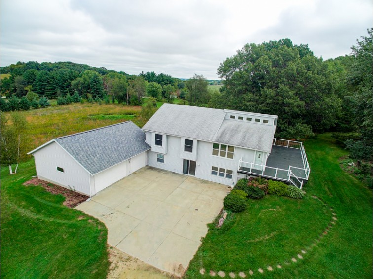 1984 Oak Wood View Dr, Verona, WI by First Weber Real Estate $379,900