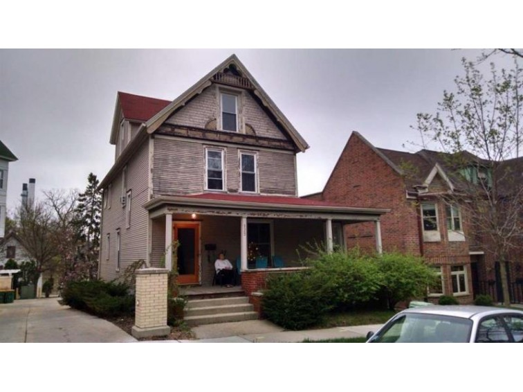 123 S Franklin St, Madison, WI by First Weber Real Estate $300,000