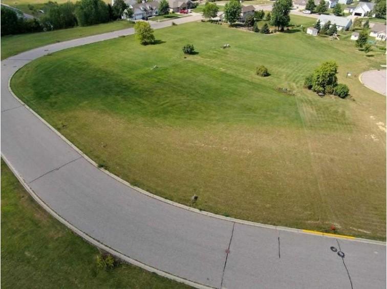 L25 Eastridge Cir, Reedsburg, WI by Re/Max Preferred $35,000