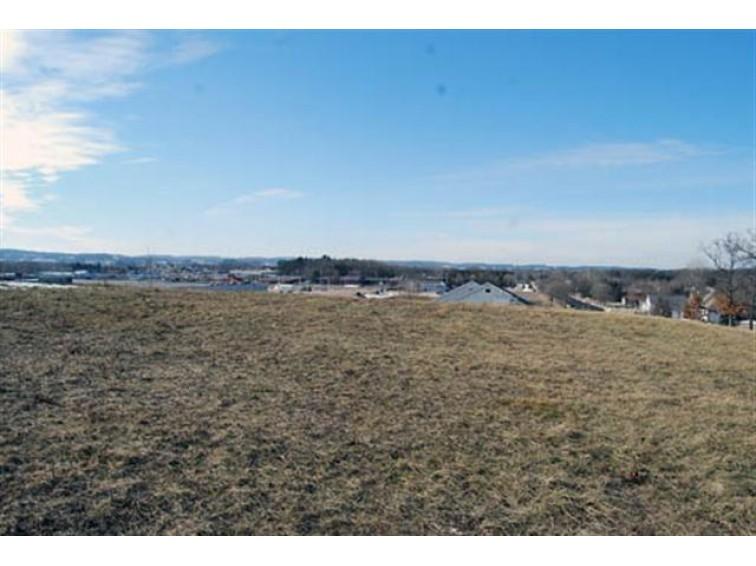 L31 Eastridge Cir, Reedsburg, WI by Re/Max Preferred $28,200