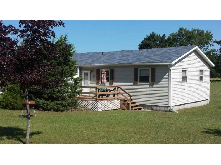W913 W North shore Dr 10, Montello, WI by Re/Max Connections $74,500