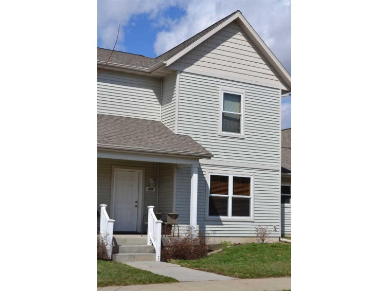234 Sweet Grass Dr, Sun Prairie, WI by Re/Max Preferred $124,900
