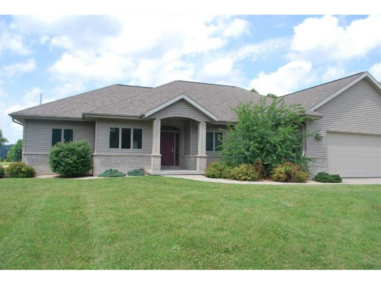 N898 CLUB CIRCLE DR, Prairie Du Sac, WI by First Weber Real Estate $399,900