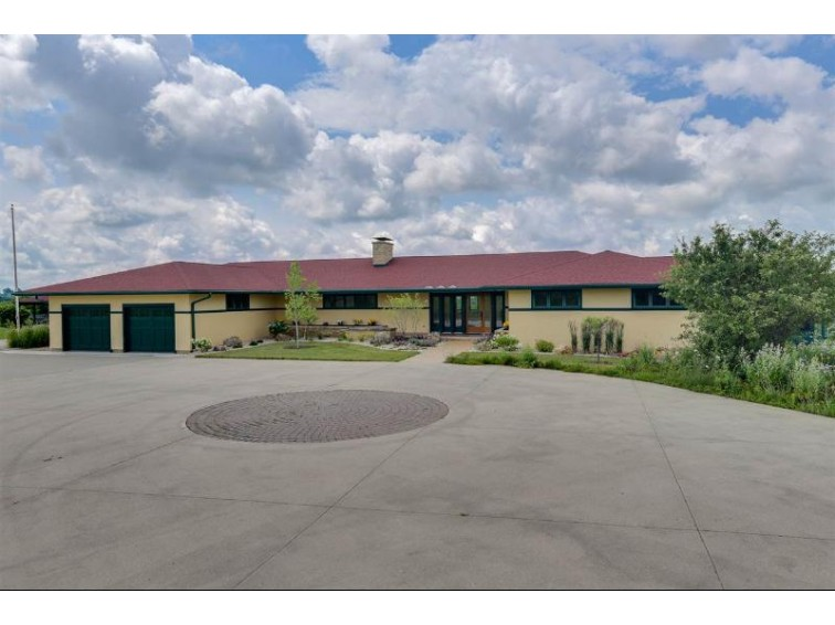 1049 MILLER RD, Mineral Point, WI by Realty Executives Cooper Spransy $848,900