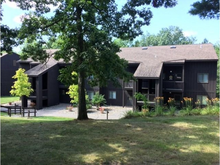 4 LAUREL TR, Wisconsin Dells, WI by Re/Max Grand $112,000
