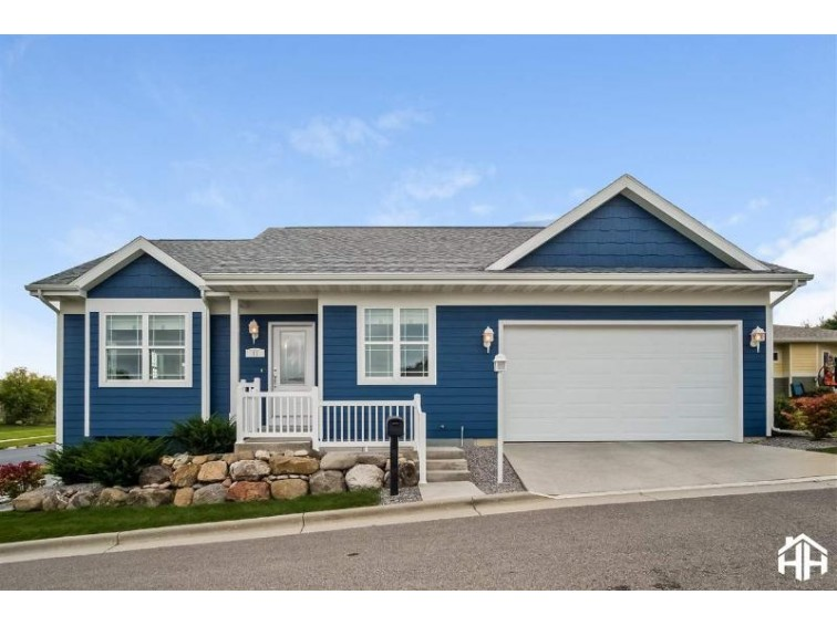 11 WOOD HAVEN WAY Fitchburg, WI 53711 by Stark Company, Realtors $379,900
