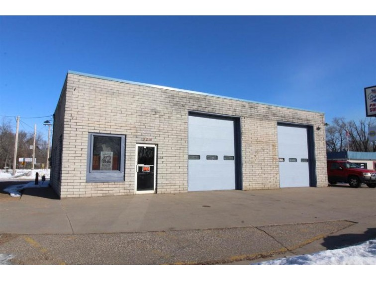 3211 Plover Road, Wisconsin Rapids, WI by Terry Wolfe Realty $89,900
