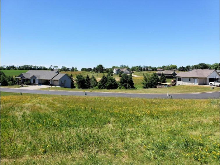 LOT 27 16th Fairway Dr, Viroqua, WI by United Country - Oakwood Realty $51,900