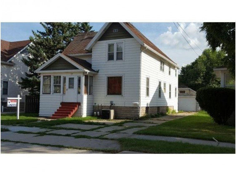 35 W 14TH AVE, Oshkosh, WI by RE/MAX On The Water $49,500