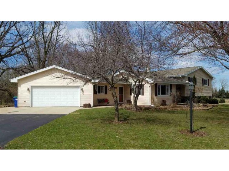 600 HARVARD, Neenah, WI by Coldwell Banker The Real Estate Group $244,900
