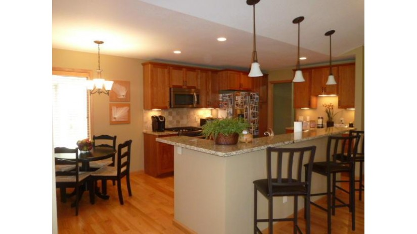 265 Heritage Dr 19 Fort Atkinson, WI 53538 by Wayne Hayes Real Estate Llc $240,000