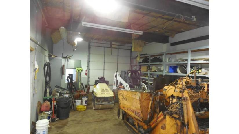 28 W Main St Delafield, WI 53018-1326 by Oconomowoc Realty $696,000