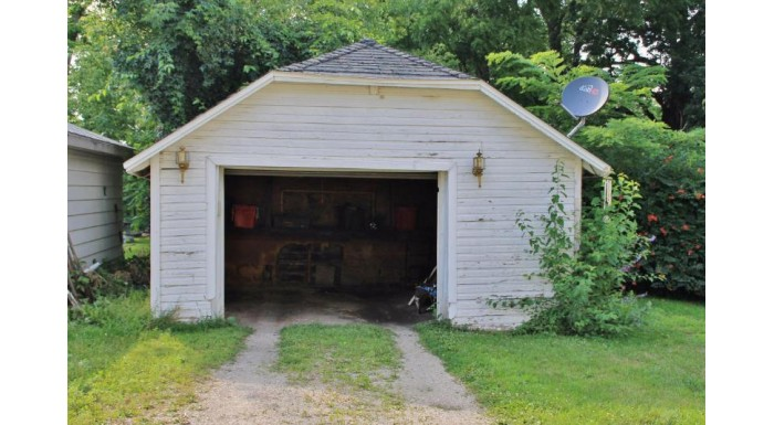 268 Superior St Fond Du Lac, WI 54935-4849 by Re/Max Heritage $42,900