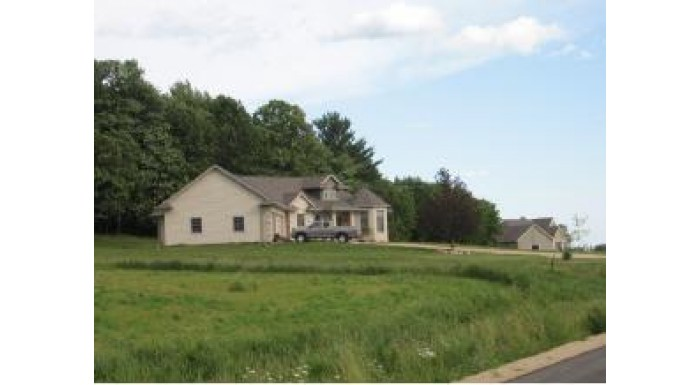 E9640 WOODS EDGE DR Caledonia, WI 54940 by Coldwell Banker The Real Estate Group $39,900
