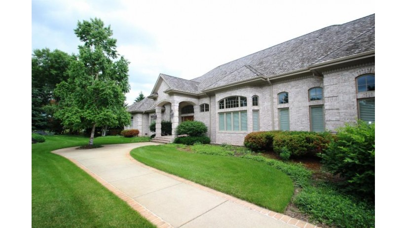 2387 LOST DAUPHIN RD Lawrence, WI 54115-9165 by Resource One Realty, LLC $2,995,000