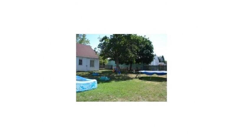 171 N FRANKLIN ST Oconto Falls, WI 54154-1416 by Metzler-Hanson Realty, Inc. $93,000