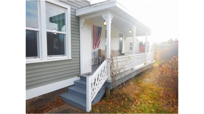 913 MIRA AVE Crivitz, WI 54114-1598 by Executive Realty $85,900