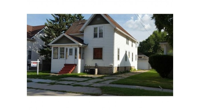 35 W 14TH AVE Oshkosh, WI 54902-6943 by RE/MAX On The Water $49,500
