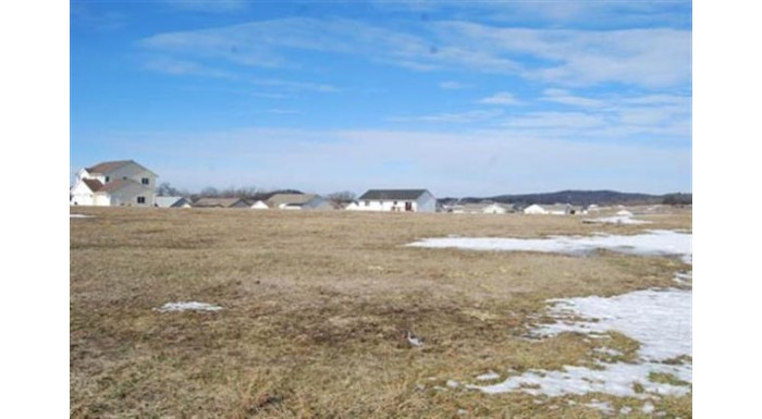 L73 Eastridge Cir Reedsburg, WI 53959 by Re/Max Preferred $30,000