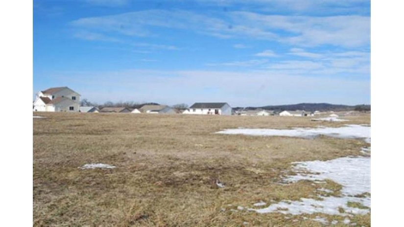 L73 Eastridge Cir Reedsburg, WI 53959 by Re/Max Preferred $30,000