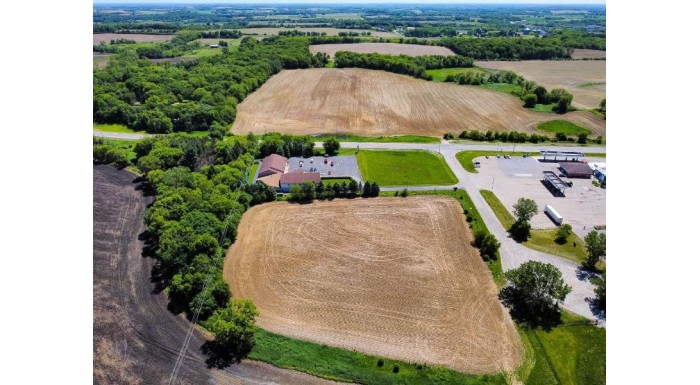 L2 Oasis Ln Lake Mills, WI 53551-9533 by First Weber Inc $149,900