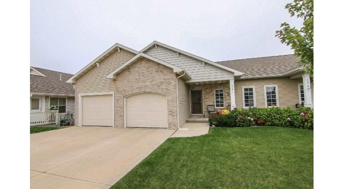 1721 Southern Ridge Tr Madison, WI 53719 by Re/Max Preferred $265,000