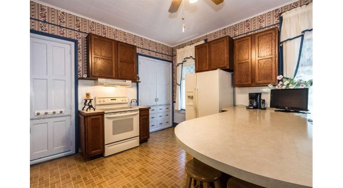 606 S Prospect St Galena, IL 61036 by Old Northwest Land Company Inc $375,000