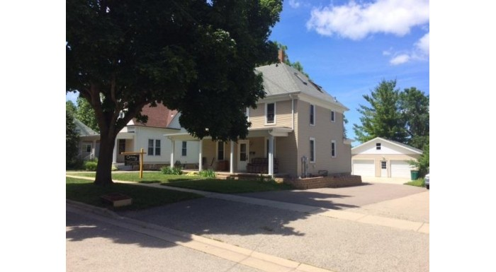 804 E Main St Mount Horeb, WI 53572 by Century 21 Affiliated Pfister $211,000