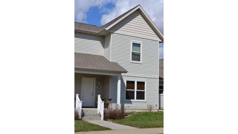 234 Sweet Grass Dr Sun Prairie, WI 53590 by Re/Max Preferred $124,900