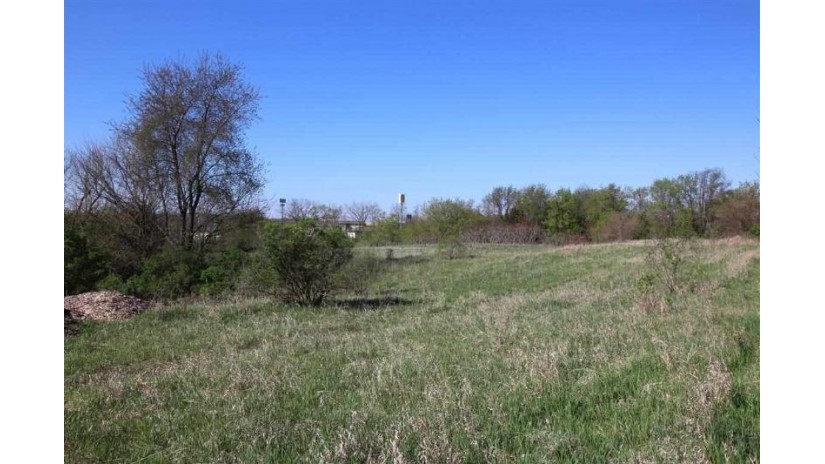L5 Hillside Rd Fulton, WI 53534-9393 by First Weber Inc $164,000