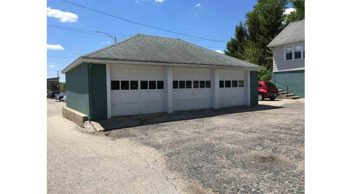 213 W Madison St Lake Mills, WI 53551-1132 by Re/Max Community Realty $175,000