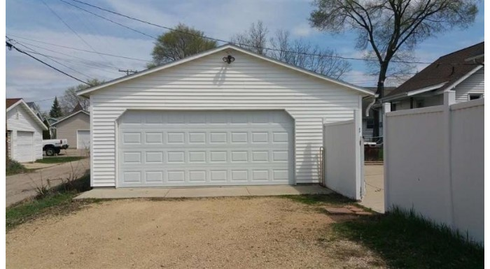 401 E Cook St Portage, WI 53901 by Century 21 Affiliated $85,000