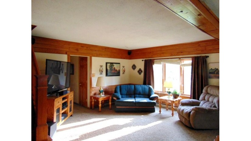 475 4th St Montello, WI 53949 by Re/Max Connections $279,900