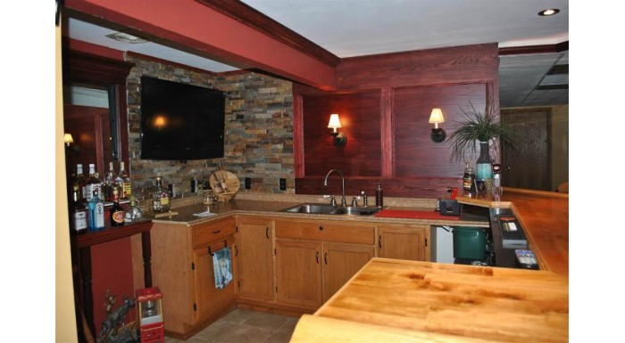 10841 Spring Creek Rd Perry, WI 53517 by Restaino & Associates $599,999
