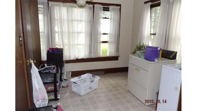 440 S Park St Livingston, WI 53554 by Century 21 Affiliated $83,900