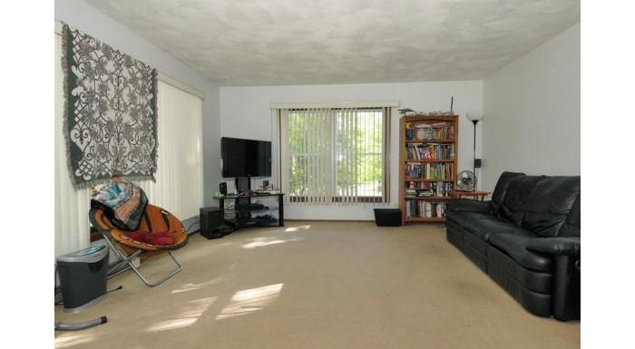 1320 Lincoln Ave Baraboo, WI 53913 by Bunbury & Assoc, Realtors $189,900