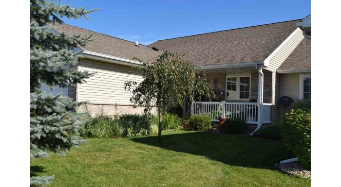 301 Pebble Brook Ln Lodi, WI 53555 by Re/Max Preferred $244,900