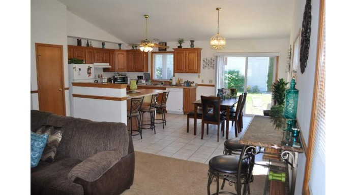 800 21st St Prairie Du Sac, WI 53578 by Restaino & Associates $189,900