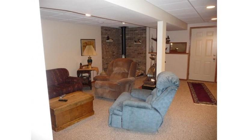 176 E Rockdale Rd Christiana, WI 53523 by Jad Realty $429,000