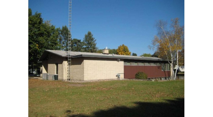 421 S Beaumont Rd Prairie Du Chien, WI 53821 by Century 21 Welter Realty $160,000