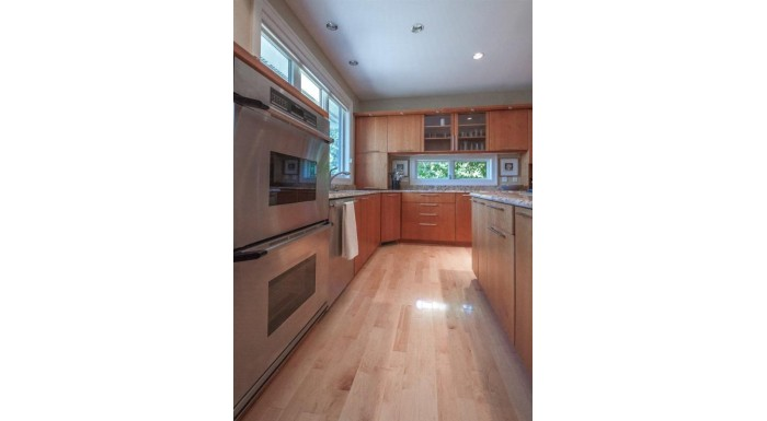 3908 Signature Dr Middleton, WI 53562 by Sprinkman Real Estate $650,000