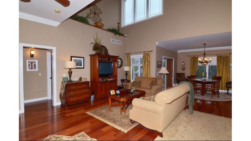 321 Inverness Terrace Ct Baraboo, WI 53913 by Bunbury & Assoc, Realtors $319,900
