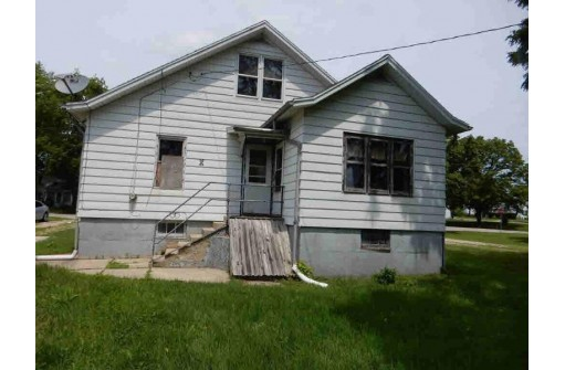 48 South St, Fort Atkinson, WI 53538