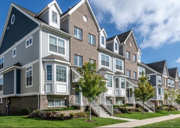 2547 West Towne, Ann Arbor, MI, 48103