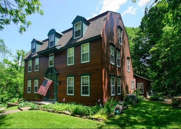 2594 E Delhi, Ann Arbor, MI, 48103