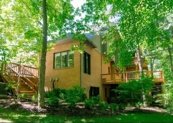 3108 W Dobson, Ann Arbor, MI, 48105