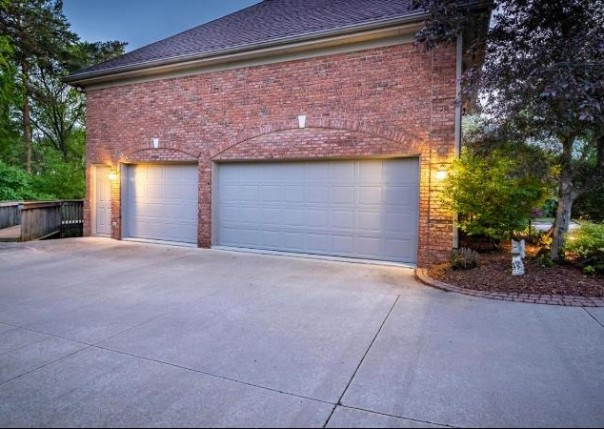3212 W Dobson, Ann Arbor, MI, 48105