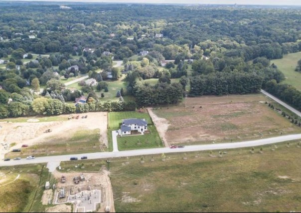 1140 Pine Ridge, Ann Arbor, MI, 48103
