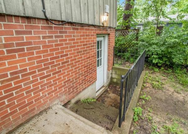 1246 Kuehnle, Ann Arbor, MI, 48103