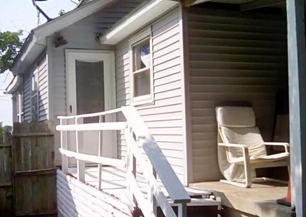 1323 E Saginaw, Lansing, MI, 48906
